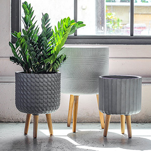 lightweight planters with wooden legs