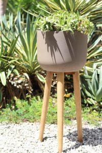 houseplant pot with legs