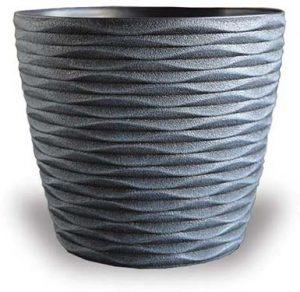 Wave Pattern Plastic Pot
